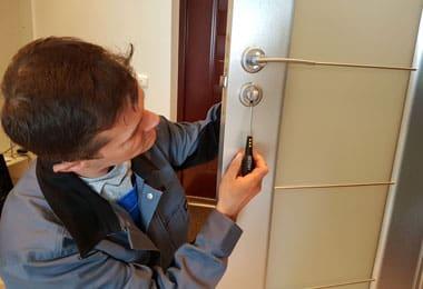 фото ремонта дверного замка